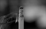 Любовь к марихуане принесла женщина с редким заболеванием